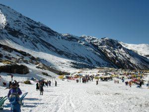 Snowy valley at Rohtang pass, Manali