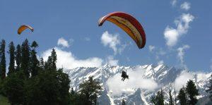Parachutes in Manali