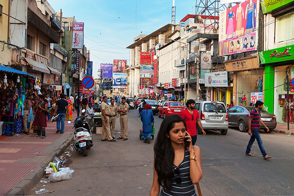 Best markets in india, Commercial Street-Bangalore