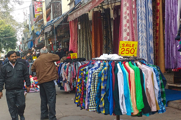 best markets in India, Sarojini Nagar-Delhi