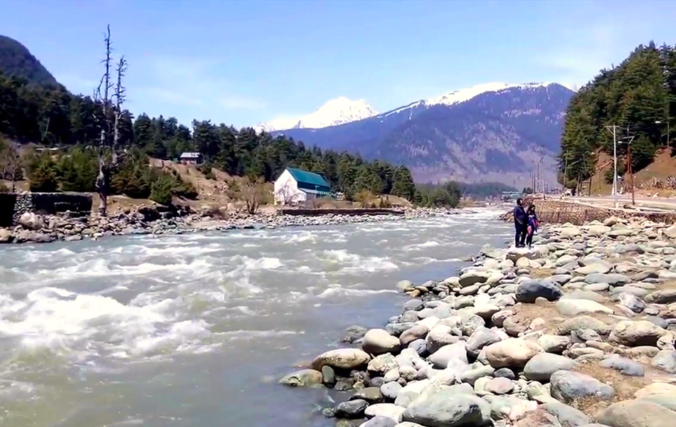 Pahalgam, Jammu and Kashmir snowfall destinations in India