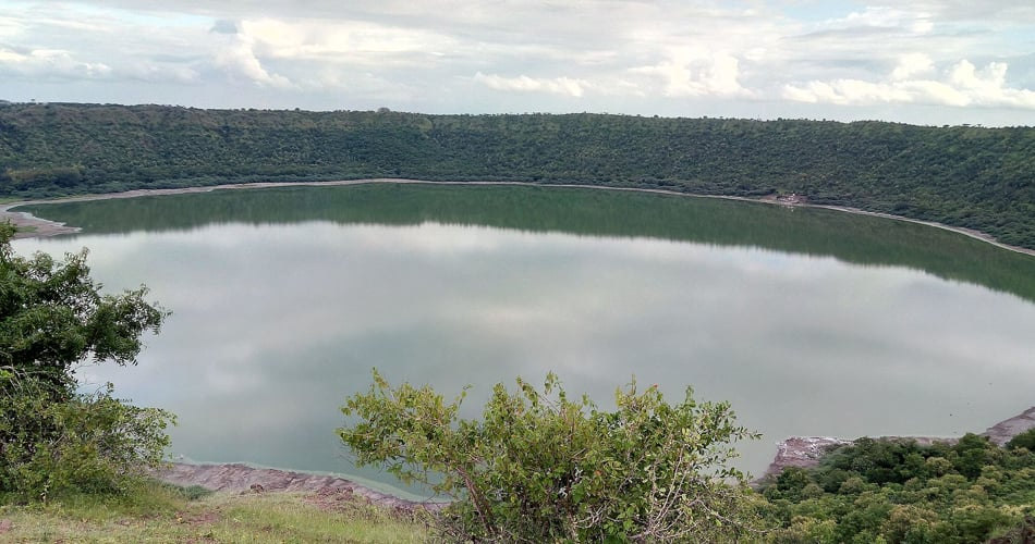 Lonar Crater, Maharashtra underrated holiday destination in india happyeasygo