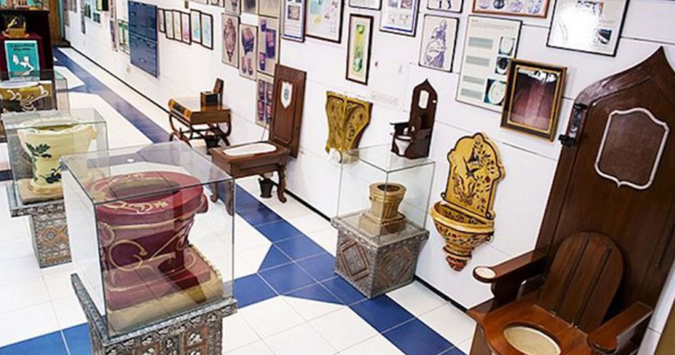 Sulabh-International-Museum-of-Toilet,-Delhi