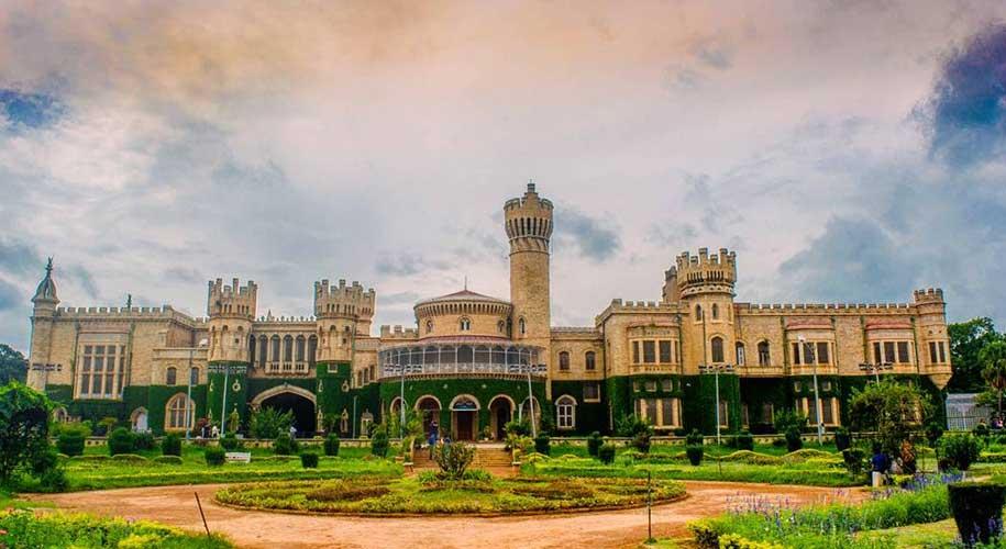 Exploring the Bangalore Palace